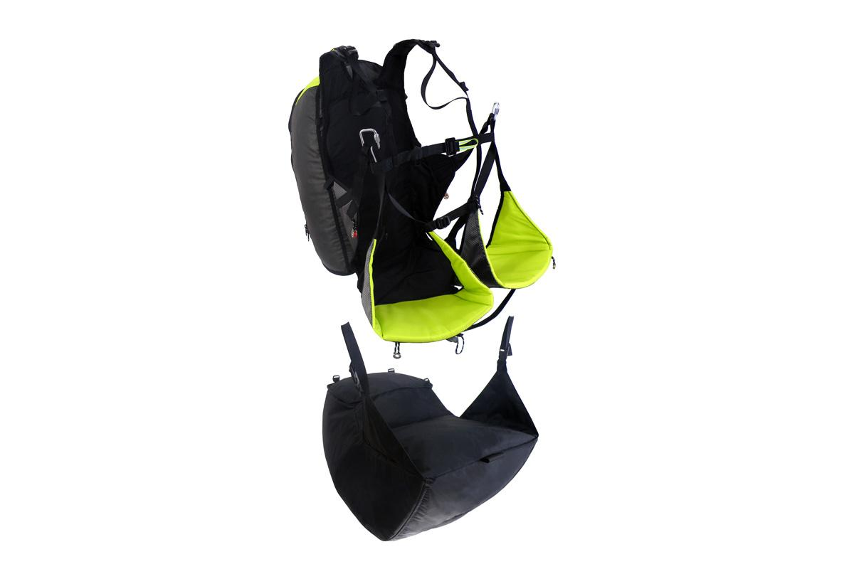 An optional Airbag can be fitted to the base of the Hike to improve pilot protection in case of a hard landing or accident